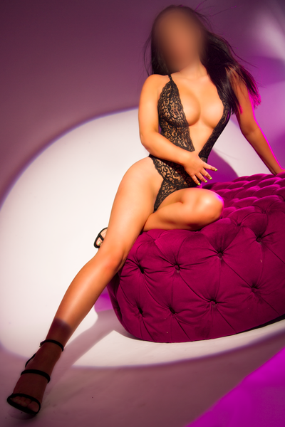 Victoria Escort is Available